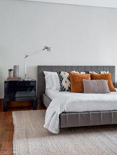 so clean.love this bedroom! Dream Bedroom, Home Decor Bedroom, Master Bedroom, Bedroom Ideas, Interior Architecture, Interior Design, Couple Bedroom, Beautiful Bedrooms, Furniture Decor