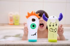 Diversão no banho * brincadeiras com embalagens de shampoo