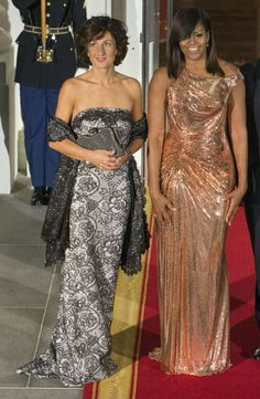 "As Rashida Jones wrote in a recent ""love letter"", Michelle Obama ""will have her own legacy, separate from her husband's."" And one of those things (including all of her incredible work with young girls and heath) will be her amazing fashion. At her final state dinner hosting Italy, the first lady dazzled in a custom Atelier Versace gown in rose gold made entirely of chain mail. (Photo: Getty Images)"