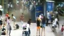 Vídeo mostra instante em que cratera se abre e engole pedestres na China