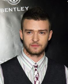 """Justin Timberlake Photos Photos - Singer/designer Justin Timberlake arrives at the William Rast Spring 2007 'Street Sexy' fashion show at Social Hollywood on October 17, 2006 in Los Angeles, California. - William Rast Unveils Spring 2007 """"Street Sexy"""" - Arrivals"""