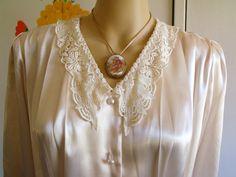Vintage 1980s Blouse Shirt Diversity Cream Satiny Material Pearl Buttons Shoulder Pads Ecru Lace Collar Formal Blouse Evening Wear 80s