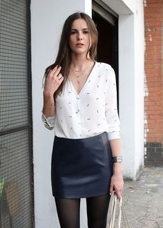Sézane / Morgane Sézalory - Harlow leather skirt & murphy silk blouse #sezane www.sezane.com/fr #frenchbrand #leatherskirt                                                                                                                                                      Plus