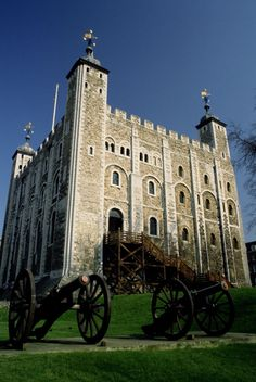 Tower of London, London  ---  For more UNESCO World Heritage Sites http://www.ecstasycoffee.com/look-beautiful-unesco-world-heritage-sites/