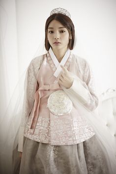 우아한 청담 이승현한복~ 신부님의 로망* 한복드레스 신상 한복화보 : 네이버 블로그