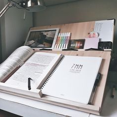 // I've somehow become a morning person over the months and I'm a love-hate relationship with it pros: I have plenty of time during the day cons: I wake up at freaking 5 or 6 on weekends. Study Space, Study Desk, Book Study, Study Notes, Study Areas, School Motivation, Study Motivation, Study Board, Study Room Decor
