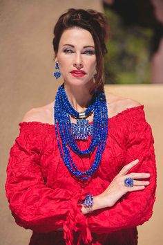 Rocki Gorman designer of jewerly and clothing in Santa Fe, New Mexico USA Lapis Many Stones Collection; shown here is the entire collection in this color! I like two of the long necklace. Boho Fashion, Fashion Looks, Fashion Outfits, Womens Fashion, Chunky Jewelry, Santa Fe, Western Wear, Turquoise Jewelry, New Mexico