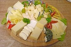 Cheese Plate by Kochschlumpfine Plateau Charcuterie, Charcuterie And Cheese Board, Charcuterie Platter, Cheese Appetizers, Healthy Appetizers, Appetizers For Party, Simple Appetizers, Cheese Snacks, Cheese Platters