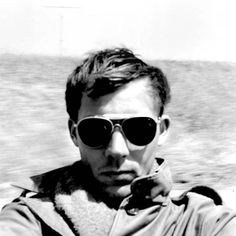 Stumbled across this incredible letter via Farnam Street that famed author Hunter S. Thompson wrote to a friend after he asked for life advice. Thompson was Finding Purpose, Life Purpose, Hunter S Thompson Quotes, Selfies, Sleep Late, Whiskey Drinks, Sites Online, Meaningful Life, Life Advice
