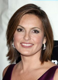 Wedding Hairstyles For Medium Length Hair Round FaceSo for some great hair ideas, check out our galleries of hairstyles bel New Black Hairstyles, Hairstyles Over 50, Pretty Hairstyles, Bob Hairstyles, Straight Hairstyles, Hair Lights, Bilage Hair, New Hair, Mariska Hargitay