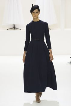 Christian Dior Fall 2018 Couture Fashion Show Collection: See the complete Christian Dior Fall 2018 Couture collection. Look 19