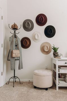 Home Makeover A fun way to decorate a home office space is with a hat wall and a wire mannequin (wir Home Office Decor, Office Decorations, Home Decor, Cool Office Space, Bedroom Decor, Wall Decor, Bedroom Ideas, Boho Chic, White Desks