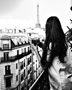 In the city of lights 🖤
