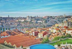 Então tá! Watching the sunset with this amazing view  #sunset #view #Porto #Yeatman #TheYeatman #marriage #cocktail #fun #friends #bibósnoibos by nunogouveiasousa