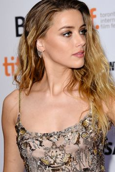 haven't you heard about Amber Heard? — Amber Heard attends 'The Danish Girl' premiere. Amber Heard Hair, Amber Heard Style, Most Beautiful Hollywood Actress, Beautiful Actresses, Amber Head, The Danish Girl, Pretty Females, Famous Girls, Good Woman