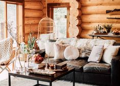 The Colorado Cabin Tour That Made Our Editors' Jaws Drop Cabin Homes, Log Homes, Ste Agathe, Modern Log Cabins, Rustic Cabins, Log Cabin Living, Log Cabin Bedrooms, Rustic Bedrooms, Cozy Living