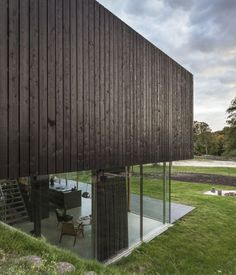 """Villa V / Paul de Ruiter Architects  """"Hi Cube"""" """"Freight box"""" """"re-purposed"""" """"Cargo"""" """"Steel crate"""" """" low foot print"""" """"recycle""""  """"Container Home"""" """"IN THE BOX"""" """"Green Home"""""""