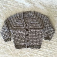 Warm waffled baby cardigan Knitting pattern by Seasonknits Baby Cardigan Knitting Pattern Free, Arm Knitting, Baby Knitting Patterns, Crochet Baby, Knit Crochet, Toddler Cardigan, Waffle Stitch, Baby Scarf, Quick Knits