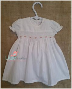 e0b59ae6c10c Hand Smocked Baby dress in white with hand embroidered roses - Sie 3-6  months. Etsy