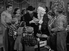 12 Days Of Christmas: The Andy Griffith Show's Christmas Story . my VERY FAV of old time Christmas shows . Christmas Tv Shows, Old Time Christmas, Christmas Episodes, A Christmas Story, Christmas Movies, Vintage Christmas, Merry Christmas, Holiday Movies, Christmas Pictures
