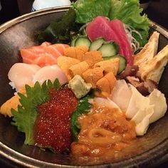 Sea urchin, boiled sea urchin, marinated sea urchin w/ squid, scallops, tuna, salmon, boiled sea cucumber, salmon roe, sea urchin omelette @ Maruhide Uni Club in Torrance, CA