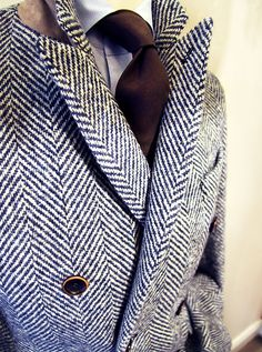the-suit-man:  Suits and mens fashion inspiration for gentlemen http://the-suit-man.tumblr.com/