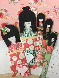 Origami kimono girl paper dolls, set of 5 / Handmade Japanese craft for gift, bookmark, card embellishment / geisha paper ningyo / red green