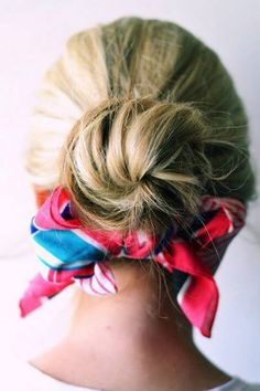wore my hair this way for work today! 4 other styles to wear a bow in your hair! My Hairstyle, Scarf Hairstyles, Summer Hairstyles, Trendy Hairstyles, Ways To Wear A Scarf, How To Wear Scarves, Scarf Bun, Head Band, Summer Scarves