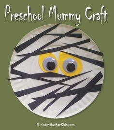 Easy Preschool Mummy Craft for kids. A Halloween craft to keep kids occupied from ActivitiesForKids. halloween crafts for kids Mummy Crafts, Halloween Arts And Crafts, Halloween Crafts For Toddlers, Theme Halloween, Halloween Crafts For Kids, Toddler Crafts, Happy Halloween, Kids Crafts, Halloween Games For Preschoolers