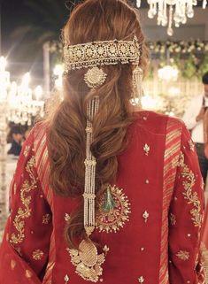Mehndi Hairstyles, Try On Hairstyles, Bridal Hairstyles, Balochi Girls, Girls Dpz, Pakistani Fashion Party Wear, Pakistani Bridal Wear, Jewelry Design Earrings, Hair Jewelry