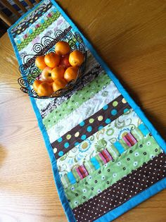 Family of Savages: Super Easy, Super Fun Table Runners for Christmas {Projects #28, #29, & #30}