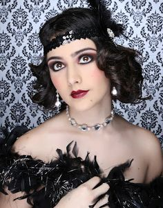 some beautiful make up done by the students at Downey Make up Academy , photography by me Juls Megill Photography Great Gatsby Makeup, 1920 Makeup, Flapper Makeup, Vintage Makeup, Anos 20s, Light Blond, Honey Blond, Flapper Headpiece, Model Shooting