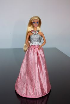 Still have the skirt my daughter plays with it Barbie Und Ken, 1980s Barbie, Barbie I, Barbie World, Vintage Barbie Clothes, Doll Clothes, Vintage Toys, Retro Toys, Childhood Toys