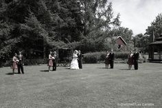 Country Summer Wedding by www.pqrphoto.com