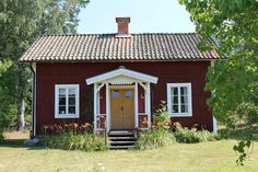 drömmar & fina saker | Emmas Vintage This Old House, My House, Scandinavian Cottage, Sweden House, Red Houses, Charming House, Red Cottage, Cottage Exterior, Cabins And Cottages