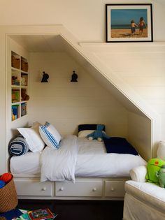 Adorable built-in bed nook by Sawyer Berson Architects Under Stairs Nook, Office Under Stairs, Bed Stairs, Basement Stairs, Bed Nook, Alcove Bed, Sleeping Nook, Built In Bed, Built Ins