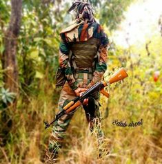 Soldier Love, Army Soldier, Military Love, Army Love, Army Couple Pictures, Shri Ram Photo, Indian Army Special Forces, Indian Army Quotes, Indian Army Wallpapers