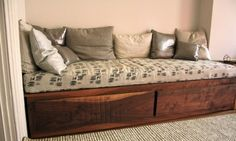 details inquiries red hook daybed