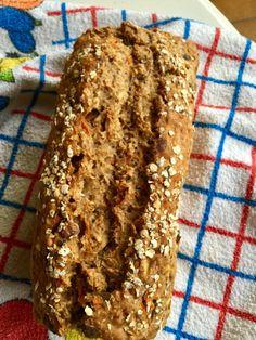 3 Minuten Brot mit Nüssen, Kürbiskernen und Haferflocken Sehr schnell zubereitetes Brot