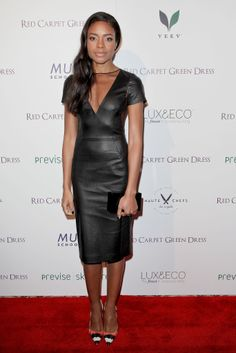 Naomi Harris heated things up in a sleek LBD and bright heels.