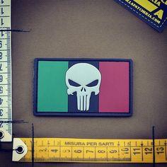 News 2017! Tantissimi nuovi articoli..eccone uno #bandieraitaliana #punisher #patch #patches #lapatcheria #italianflag