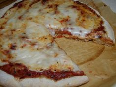Cholesterol-Free Vegan Cashew Mozzarella For Pizza. The cashew version was delicious. Will try with sunflower seeds to make it nut free! Vegan Cheese Recipes, Vegan Foods, Vegan Snacks, Vegan Dishes, Dairy Free Recipes, Vegetarian Recipes, Healthy Recipes, Cashew Cheese, Dairy Free Pizza