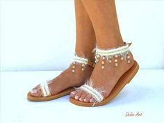 BELANGRIJK: Voeg een telefoonnummer bij de kassa, aangezien het wordt vereist door de vervoerder WIJ BIEDEN EXPRESS VERZENDING WERELDWIJD 1-4 DAGEN ZONDER EXTRA KOSTEN Alle mijn sandalen zijn handgemaakt te bestellen en moet 10 dagen worden gemaakt. LAAT UW TELEFOON IN UW AANKOOP OPMERKING Boho Sandals, Espadrilles, Shoes, Fashion, Espadrilles Outfit, Moda, Zapatos, Shoes Outlet, Fashion Styles