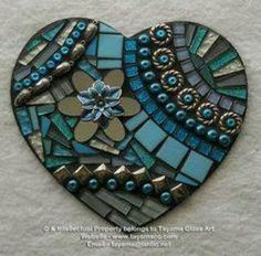 Love the black grout Mosaic Tile Art, Mosaic Rocks, Mosaic Artwork, Mirror Mosaic, Mosaic Crafts, Mosaic Projects, Stone Mosaic, Mosaic Glass, Glass Art