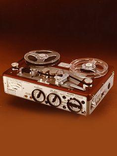 Nagra E - www.remix-numerisation.fr - Rendez vos souvenirs durables ! - Sauvegarde - Transfert - Copie - Digitalisation - Restauration de bande magnétique Audio - MiniDisc - Cassette Audio et Cassette VHS - VHSC - SVHSC - Video8 - Hi8 - Digital8 - MiniDv - Laserdisc - Bobine fil d'acier - Micro-cassette - Digitalisation audio - Elcaset
