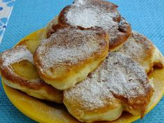 with powdered sugar: yeast pancakes with apples European Dishes, Polish Recipes, Polish Food, Crepe Cake, Mille Crepe, Powdered Sugar, Tart, Sweet Tooth, French Toast