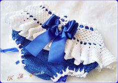 Compre Calcinha Babadinho em Crochê duas Cores no Elo7 por R$ 45,00 | Encontre mais produtos de Saída de Maternidade e Bebê parcelando em até 12 vezes | Calcinha Babadinho em Crochê duas Cores  Sob Encomenda ....  Cores em tons de Azul Royal com Branco  Decoração pérolas nas pontas,fitas..., C0FC3A Baby Girl Crochet, Crochet Baby Clothes, Crochet Baby Shoes, Knit Crochet, Baby Patterns, Crochet Patterns, Baby Shower Dresses, Diaper Covers, Crochet Squares