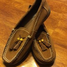 Oh...Deer Leather Flats Cute comfy leather flats...they remind me of moccasins! Little decorative tassels. Rubber sole. Worn once. Only flaw s stitch loose on left shoe...easily repaired. Price reflects flaw.... Oh...Deer Shoes Flats & Loafers