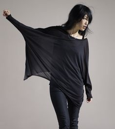 #eileenfisher ...soo whut wuz the inspiration for this? A fruit bat? Vampire? Seriously, u know I'm right. Don't lie.
