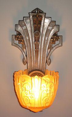 Art Decó Wall Sconce